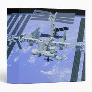"""Modelo de una estación espacial internacional carpeta 1 1/2"""""""