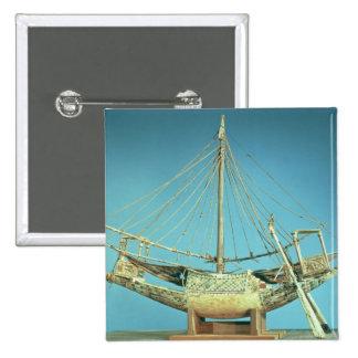 Modelo de uno de los barcos del pharaoh pin cuadrado
