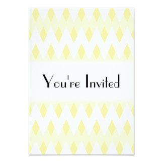 """Modelo de zigzag amarillo cremoso con formas del invitación 5"""" x 7"""""""