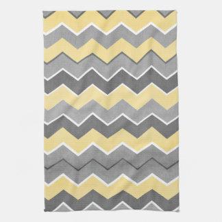 Modelo de zigzag amarillo y gris toalla
