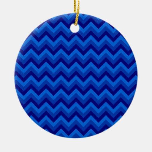 Modelo de zigzag azul adorno navideño redondo de cerámica