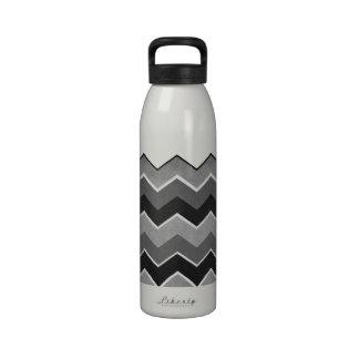 Modelo de zigzag blanco y negro botella de beber