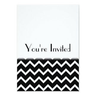 """Modelo de zigzag blanco y negro. Llano de la parte Invitación 5"""" X 7"""""""