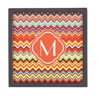 Modelo de zigzag colorido de Chevron con el monogr Cajas De Recuerdo De Calidad