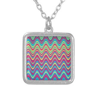 Modelo de zigzag colorido de la onda collar