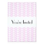 Modelo de zigzag del rosa en colores pastel invitación 12,7 x 17,8 cm