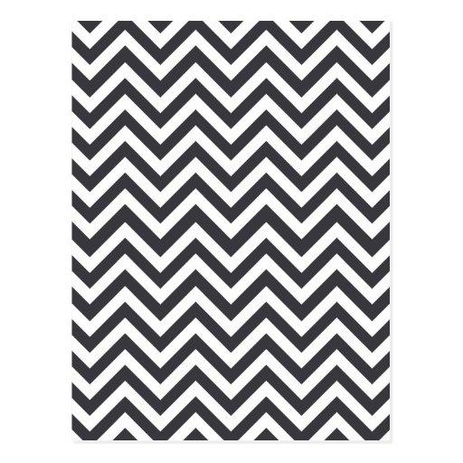 Modelo de zigzag gris oscuro y blanco postal