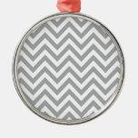 Modelo de zigzag gris y blanco de Chevron Ornaments Para Arbol De Navidad