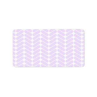 Modelo de zigzag púrpura en colores pastel inspira etiquetas de dirección