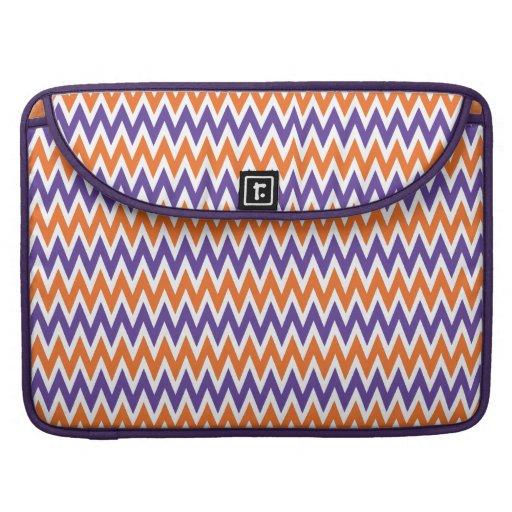 Modelo de zigzag púrpura y anaranjado intrépido de funda macbook pro