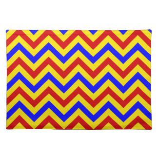 Modelo de zigzag rojo, amarillo, azul de LG Manteles Individuales