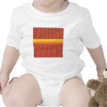 Modelo de zigzag rojo y amarillo traje de bebé