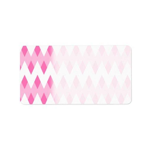 Modelo de zigzag rosado con formas del diamante etiqueta de dirección