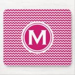Modelo de zigzag rosado con monograma alfombrilla de ratón
