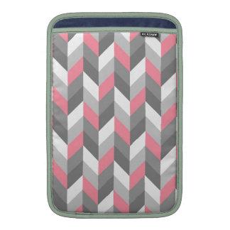 Modelo de zigzag rosado de Chevron de la raspa de  Fundas Para Macbook Air