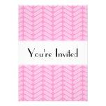 Modelo de zigzag rosado inspirado haciendo punto invitacion personalizada