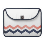 Modelo de zigzag rosado y azul fundas macbook pro