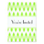 Modelo de zigzag verde con formas del diamante invitación 12,7 x 17,8 cm