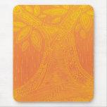 Modelo del árbol anaranjado alfombrillas de raton