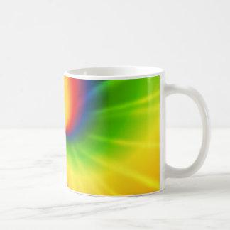 Modelo del arco iris del teñido anudado taza básica blanca