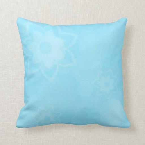 Modelo del azul de cielo almohadas