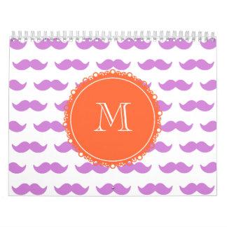 Modelo del bigote de la lila, monograma blanco cor calendarios