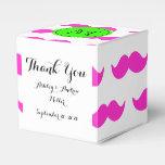 Modelo del bigote de las rosas fuertes, monograma cajas para regalos de boda