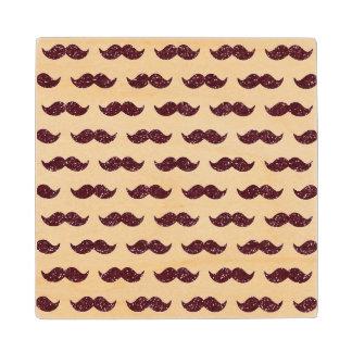 Modelo del bigote del brillo del vino impreso