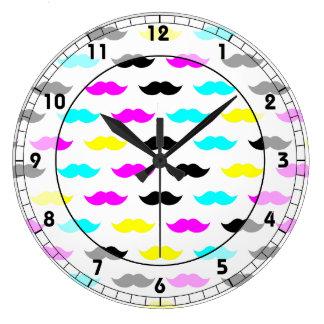 Modelo del bigote del inconformista de CMYK Relojes
