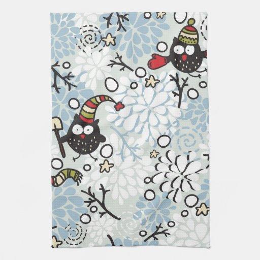 Modelo del búho y de la nieve toallas de mano