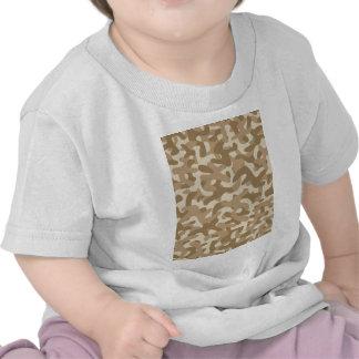 Modelo del camuflaje de Brown del desierto Camisetas