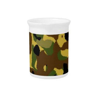 modelo del camuflaje jarra de beber