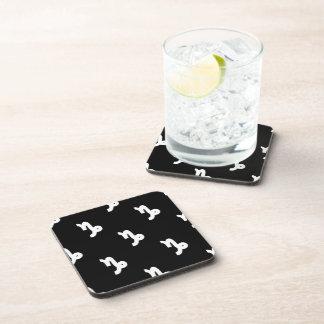 Modelo del Capricornio blanco y negro Posavasos De Bebida