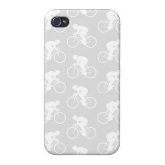Modelo del ciclista y de la bicicleta en gris iPhone 4 cárcasa