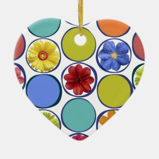 Modelo del círculo con las flores .JPEG Adorno De Cerámica En Forma De Corazón