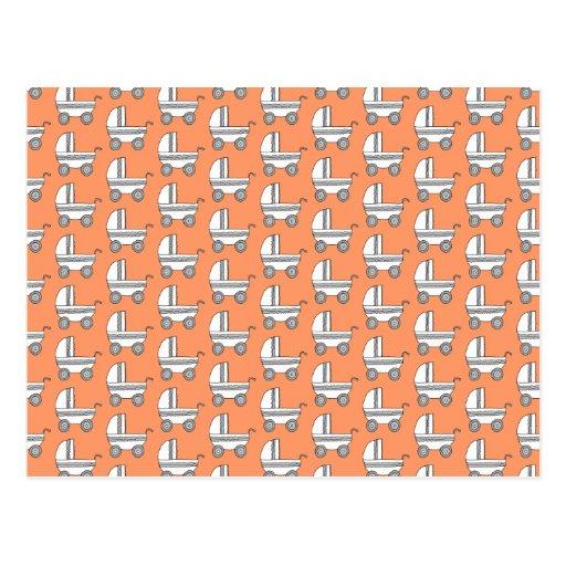 Modelo del cochecito de bebé en naranja tarjetas postales