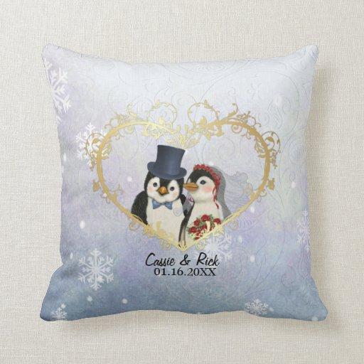 Modelo del copo de nieve del boda del pingüino - cojin