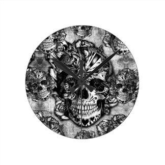 Modelo del cráneo del azúcar del Grunge Reloj Redondo Mediano