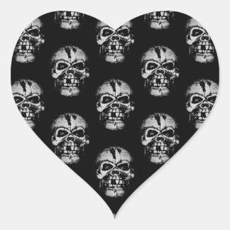 Modelo del cráneo pegatina en forma de corazón