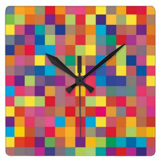 Modelo del cuadrado del arco iris del pixel reloj cuadrado