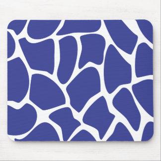 Modelo del estampado de girafa en azul marino. tapete de ratones