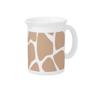 Modelo del estampado de girafa en beige jarras de beber