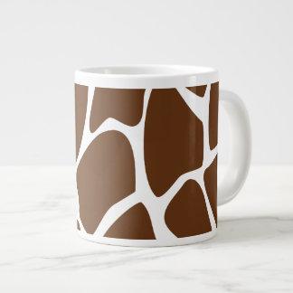 Modelo del estampado de girafa en Brown oscuro Taza Jumbo