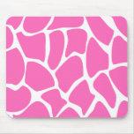 Modelo del estampado de girafa en rosa brillante alfombrillas de raton