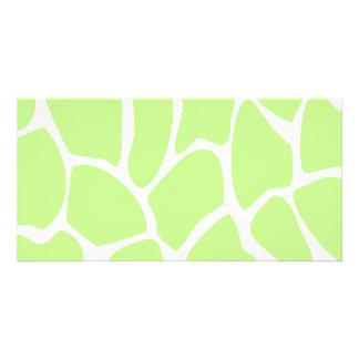 Modelo del estampado de girafa en verde de cal lig tarjetas con fotos personalizadas