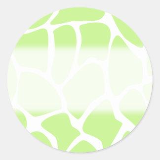 Modelo del estampado de girafa en verde de cal pegatina redonda