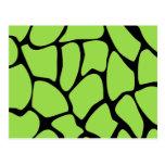 Modelo del estampado de girafa en verde de cal tarjeta postal
