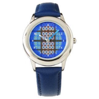 modelo del extracto del marrón azul reloj