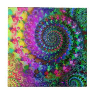 Modelo del fractal del arco iris del hippy azulejo cuadrado pequeño
