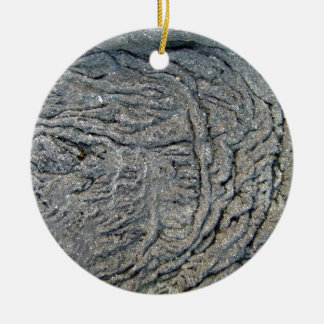 Modelo del remolino en superficie rocosa oscura adorno redondo de cerámica